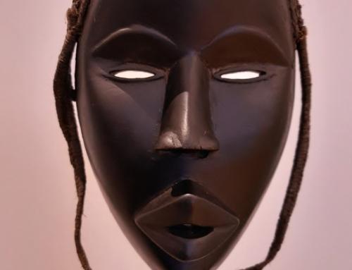 Máscara Dan femenina